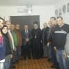 الجبهة الديمقراطية في لبنان تستقبل الاب جراجيموس عطايا واللجنة الشعبية  وتشارك ابناء مخيم مار الياس اضاءة شجرة الميلاد