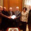 الديمقراطية تسلم مذكرة لدولة الرئيس نبيه بري :  ندعو لاقرار الحقوق الانسانية للفلسطينيين