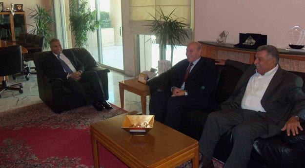 السفير-المصري-مع-قيادة-الجبهة-الديمقراطية-في-لبنان1